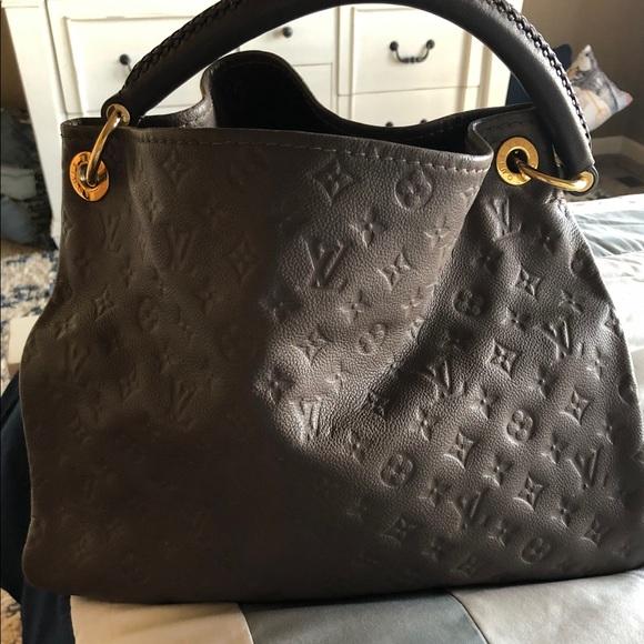 Louis Vuitton Handbags - ☀️💛🌟LV Artsy Empreinte in beautiful taupe🌟💛☀️